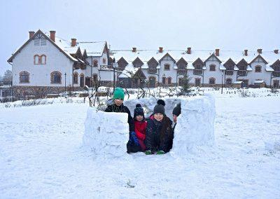 zima-rodzina-mazury-folwark-łękuk