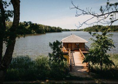 ruska-bania-mazury-jezioro-relaks