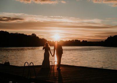 para-młoda-ślub-mazury-miłość-folwark