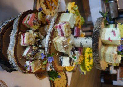 Ciasta, przekąski, słodki bufet