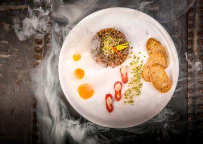Restauracja Dymiony tatar z bakłażana