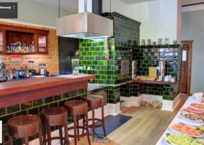 Restauracja bar i piec kaflowy