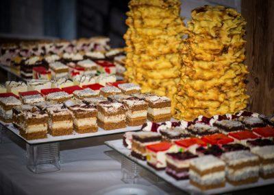 jedzenie-ciasta-słodkie-mazury-hotel
