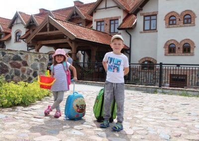 dzieci-folwark-łękuk-wakacje-mazury
