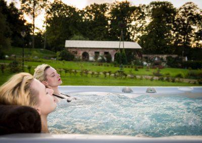 jacuzzi-relaks-SPA-mazury-hotel