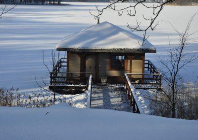 Ruska Bania na jeziorze