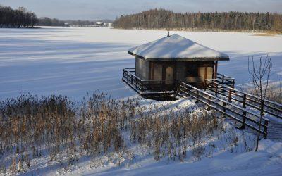 Ruska Bania na jeziorze - sucha sauna