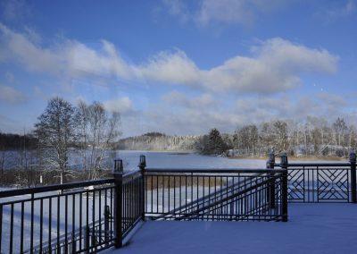 Zima na mazurach - widok na jezioro