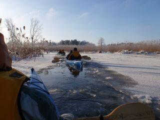 Spływ kajakowy zimą